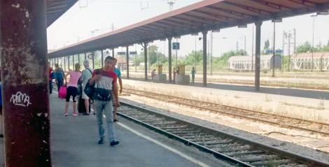 En la estación de Belgrado con los griegos también nos pusimos a hablar con los este amigo afgano.