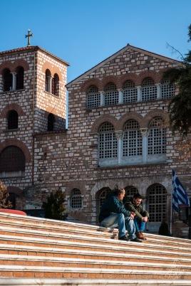 La religión oficial de Grecia es el cristianismo ortodoxo, y se pueden encontrar varias iglesias y catedrales a lo largo de la ciudad.
