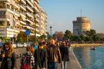 """La Torre Blanca el símbolo de la ciudad que funciona como museo. Se llama así desde hace cien años, cuando se le limpió la fachada y quedó blanca. Antes, se la conocía popularmente como """"La Torre Roja"""" o """"Sangrienta"""" porque el Imperio Otomano la usaba como prisión y centro de ejecuciones."""