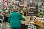 Esta doña enjaulada está en uno de los tantos puestos curiosos que uno puede encontrar en el Albert Cuyp Market.