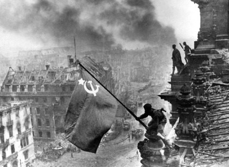 Soviéticos tomando Berlín