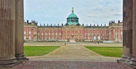Otro palacio.