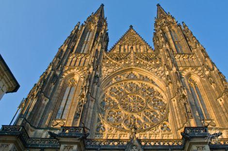 Fachada de la catedral del castillo de Praga.