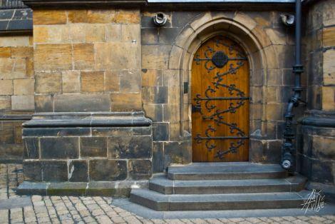 Puerta en el Castillo de Praga