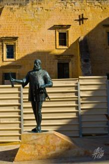 Estatua de alguien en La Valletta