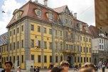Edificio amarillo