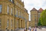 En el centro de la ciudad está lleno de edificios antiguos, devenidos en museos o edificios gubernamentales.