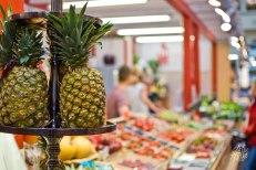 Ananás en el mercado central