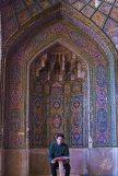 Rezo en la Mezquita Rosa