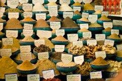 Tienda de especias en el mercado central de Shiraz.