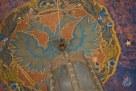 El techo también tiene pintado el águila de dos cabezas, símbolo del imperio ruso.