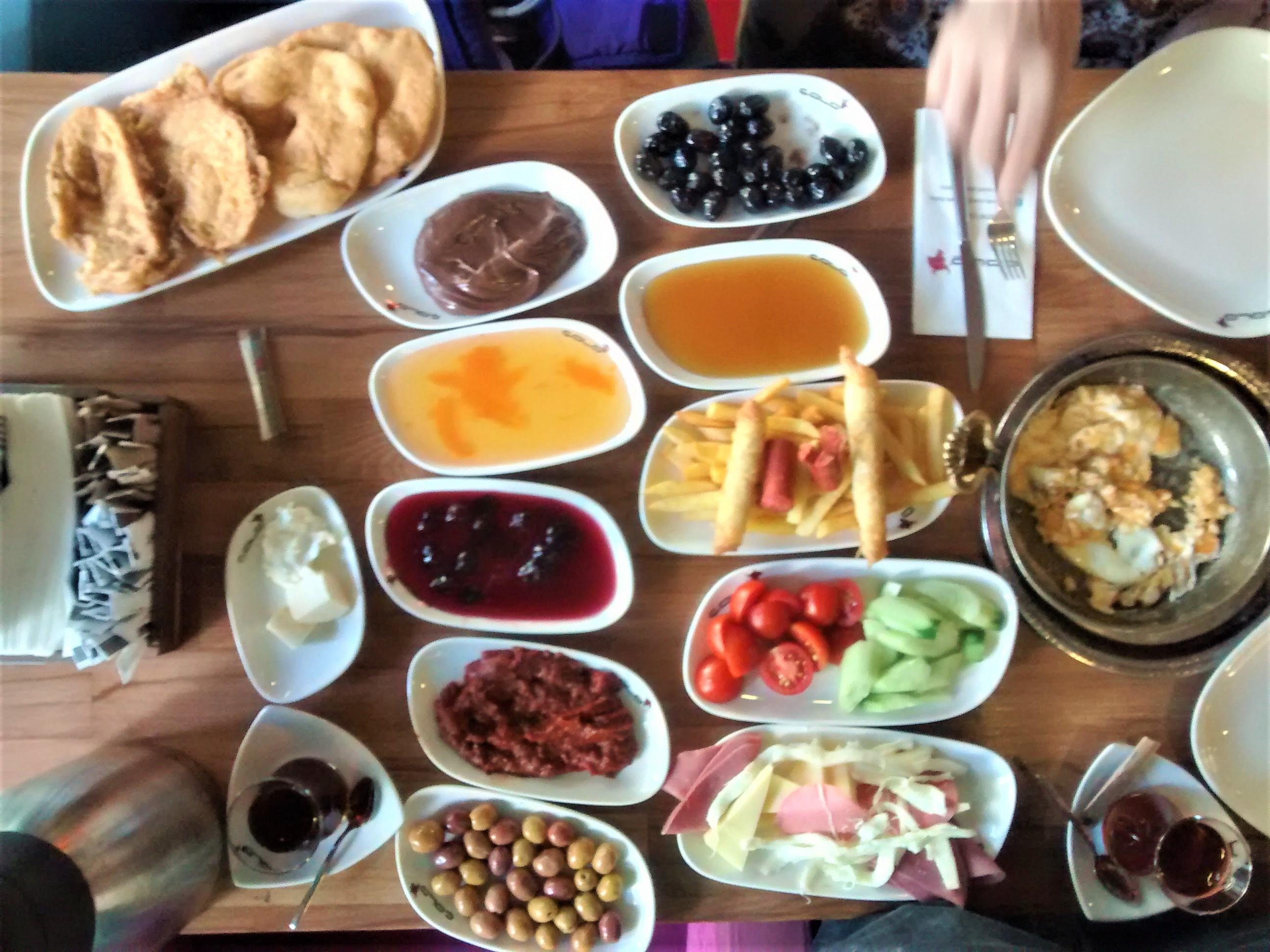 desayuno turco serpme kahvaltı